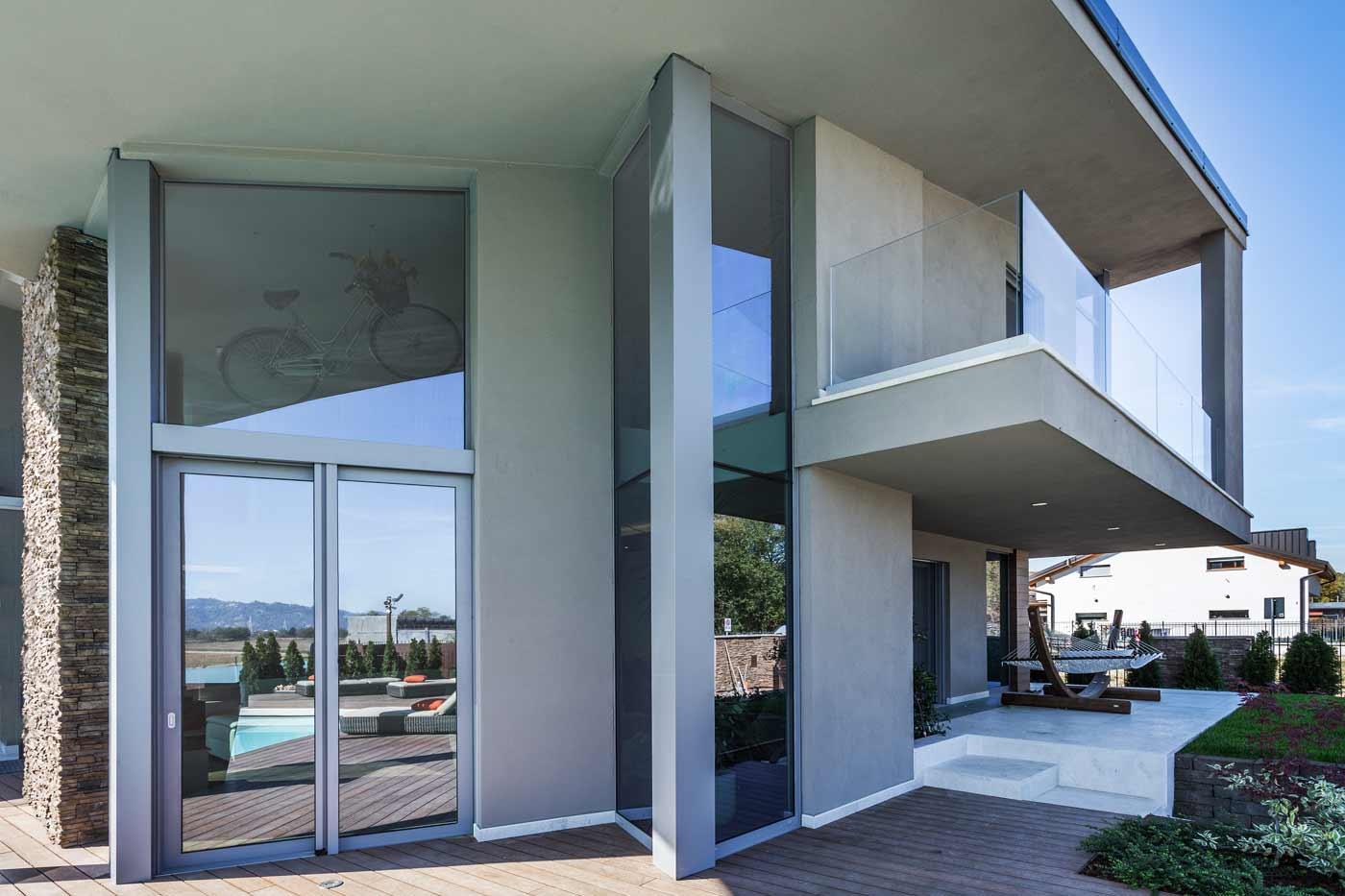 Installazione di porte e finestre in alluminio residenza for Finestre in alluminio